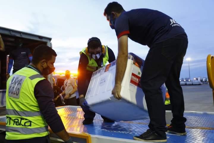 Ceará recebe 11.600 doses da CoronaVac e deve chegar mais 255.750 neste fim de semana