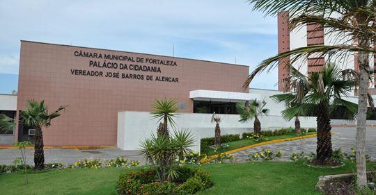 Concurso da Câmara de Fortaleza:  salário pode passar de R$ 4 mil - veja o edital