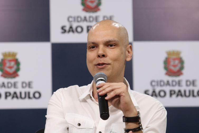 Agrava estado de saúde do prefeito de São Paulo e volta ser internado