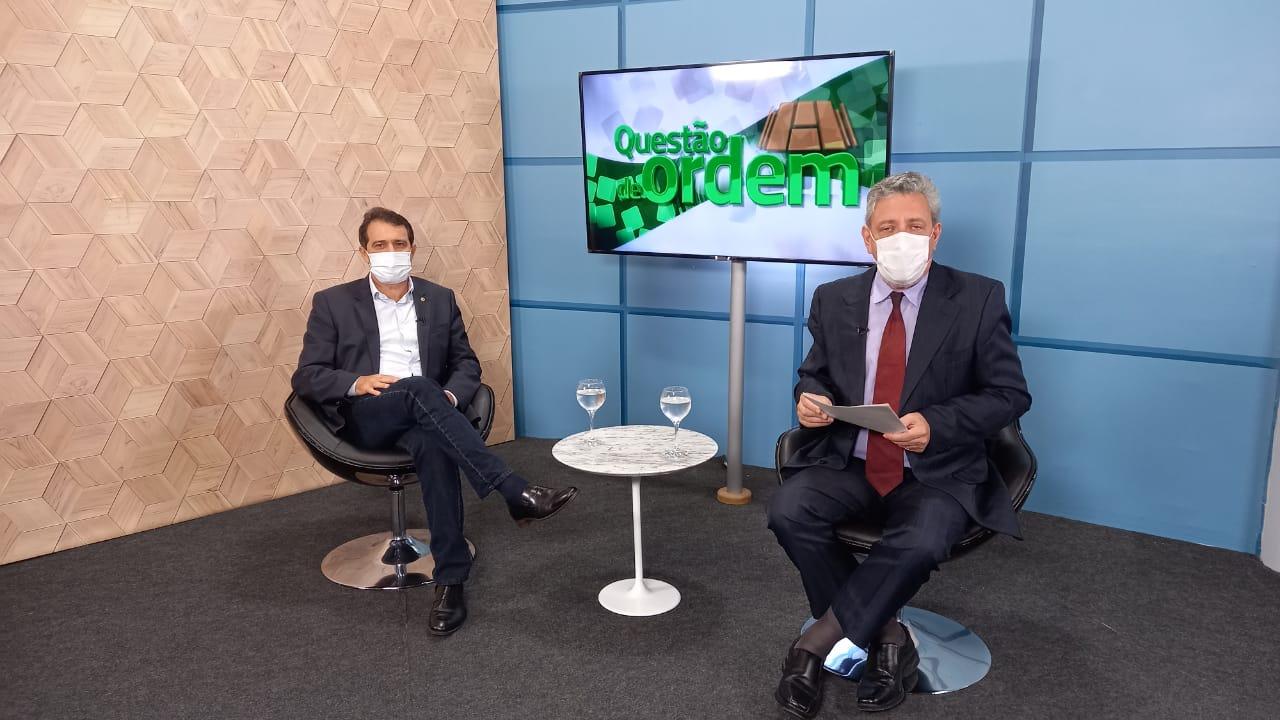 Evandro Leitão é o entrevistado do programa 'Questão de Ordem' da TV Assembleia desta quarta-feira