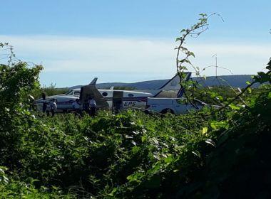 Avião com vacinas bate em jumento em pista de pouso