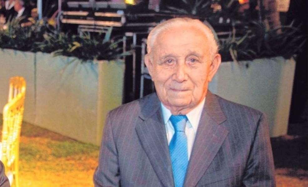 Morre ex-governador Adauto Bezerra