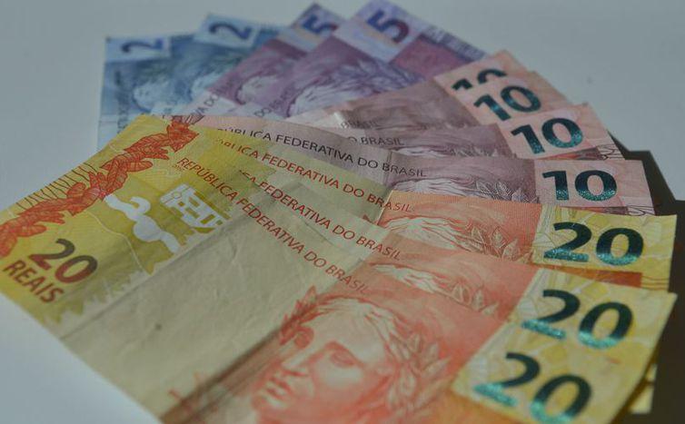 Garantido pagamento da primeira e segunda parcela do 13° salário do INSS - tabela