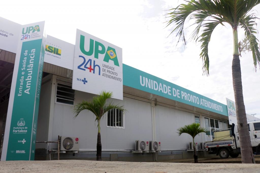 UPAs de Fortaleza recebem contêineres para armazenar corpos vítimas do coronavírus