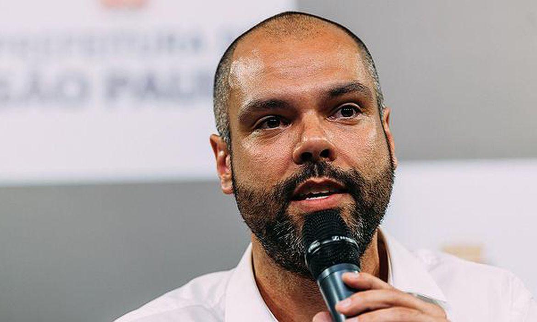 Prefeito de São Paulo Bruno Covas é transferido para UTI  e intubado