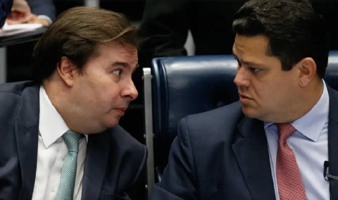 Rodrigo Maia diz que não vai colocar PEC que garante reeleição dele e de Alcolumbre no Senado