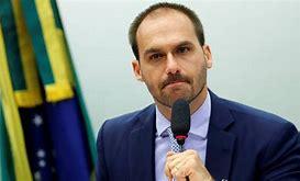 Eduardo Bolsonaro e mais 17 deputados são punidos pelo PSL, entenda
