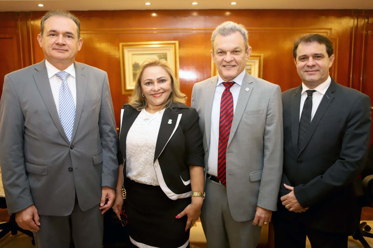 Assembleia Legislativa e Tribunal de Justiça do Ceará assinam termo de cooperação para realização do projeto Bem Me Quer