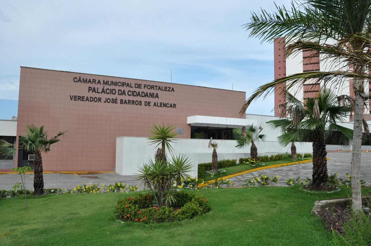 Câmara Municipal de Fortaleza realiza primeira sessão presencial depois do isolamento social nesta quarta-feira