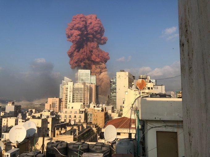 Beirute: explosão com 50 mortes e vários feridos