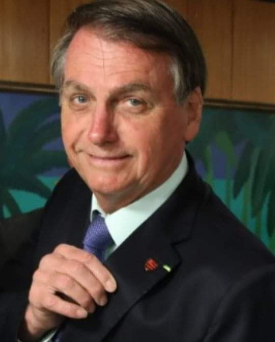 TSE autoriza assinatura digital e Bolsonaro pode ter partido para próximas eleições