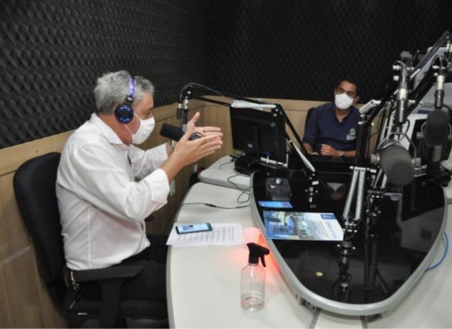 Rádio Fortaleza FM conquista audiência com programação diversificada