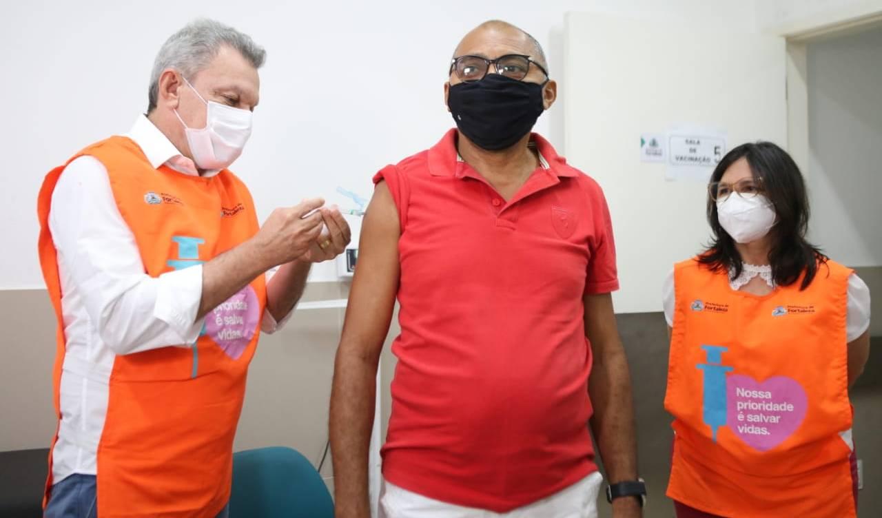 Sarto anuncia início 3ª fase da vacinação contra Covid-19 nesta quarta-feira