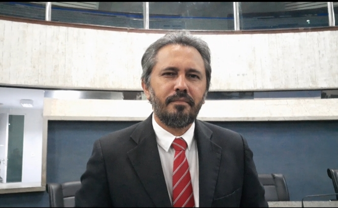 Elmano diz que sua candidata em Fortaleza é Luizianne Lins - veja a entrevista