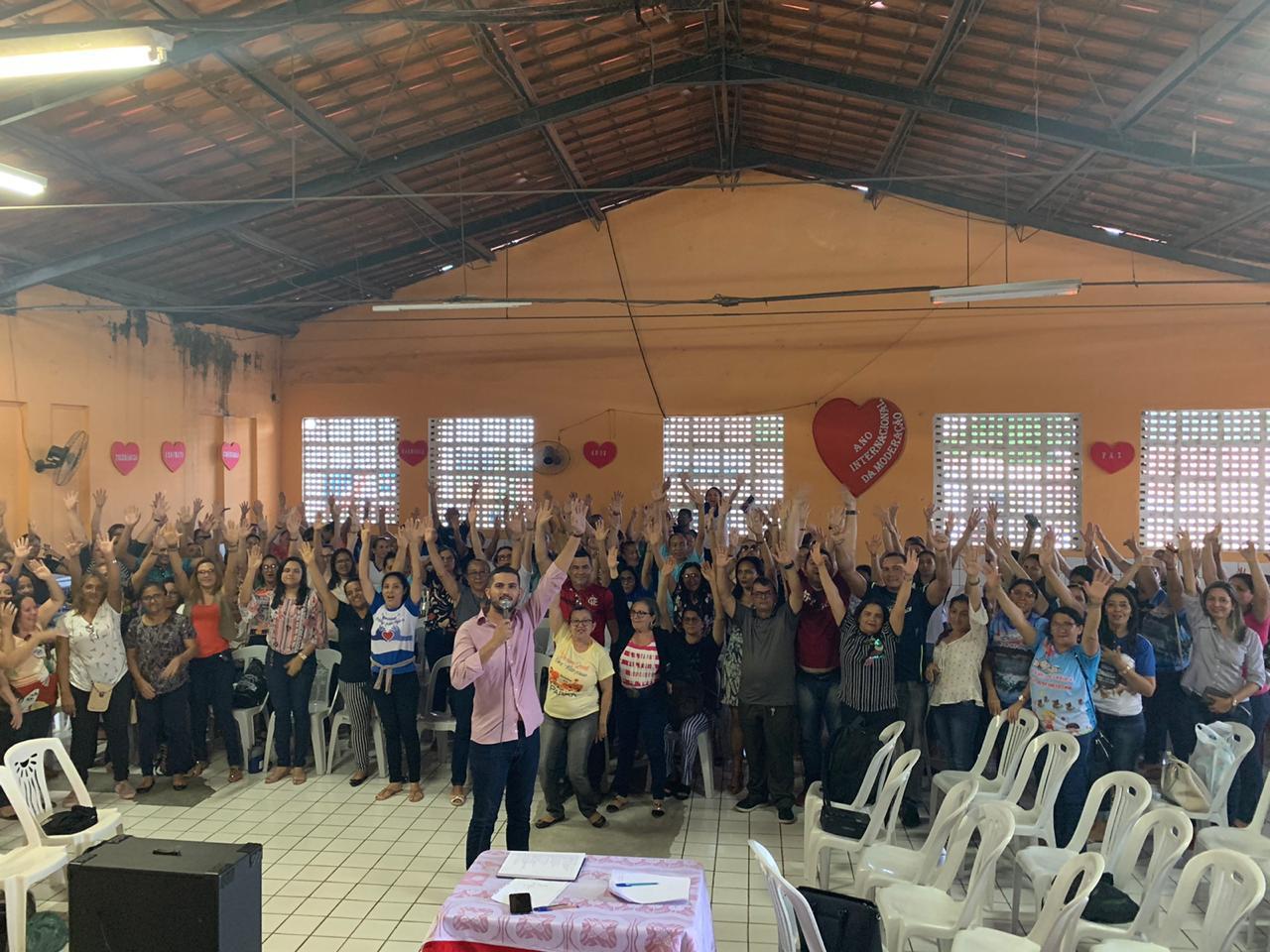 Professores de Baturité entram em greve
