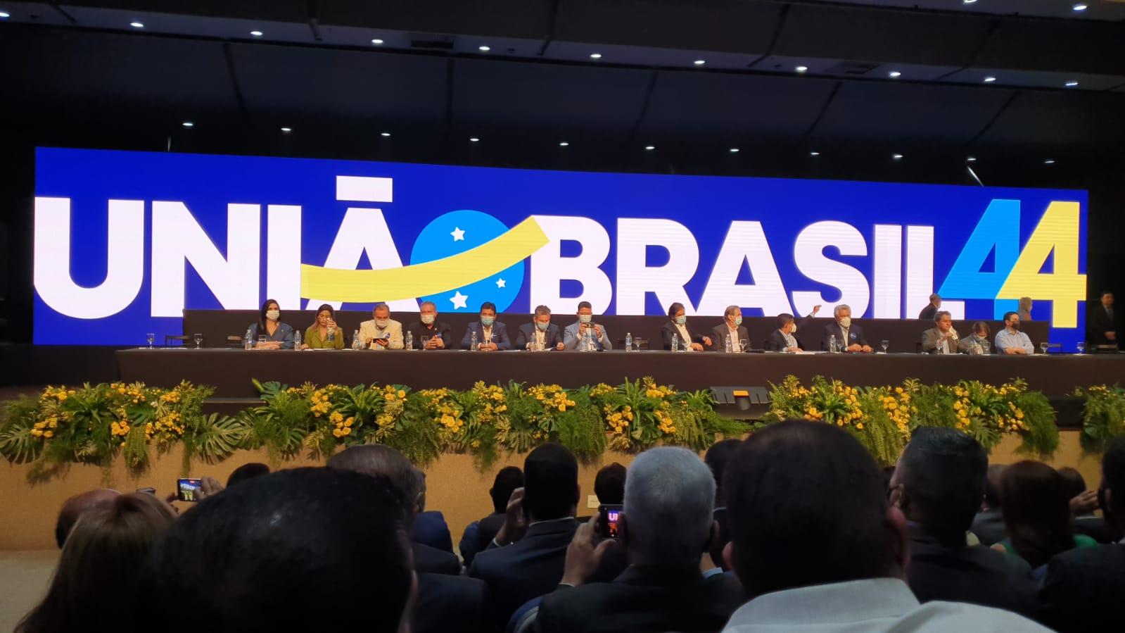 União Brasil é aprovada com fusão entre PSL e DEM