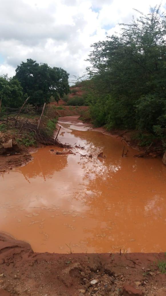Acrísio Sena aciona SEMA e Semace por nova contaminação de rejeitos da mineradora Globest no rio Poti e açude Flor do Campo