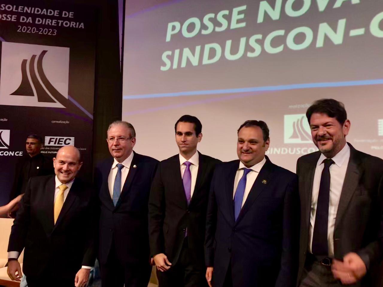 Deputado Domingos Neto é destaque na solenidade do Sinduscon - Ce