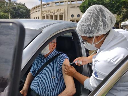 Caucaia zera estoque da primeira dose de vacina contra COVID-19 e aguarda nova remessa