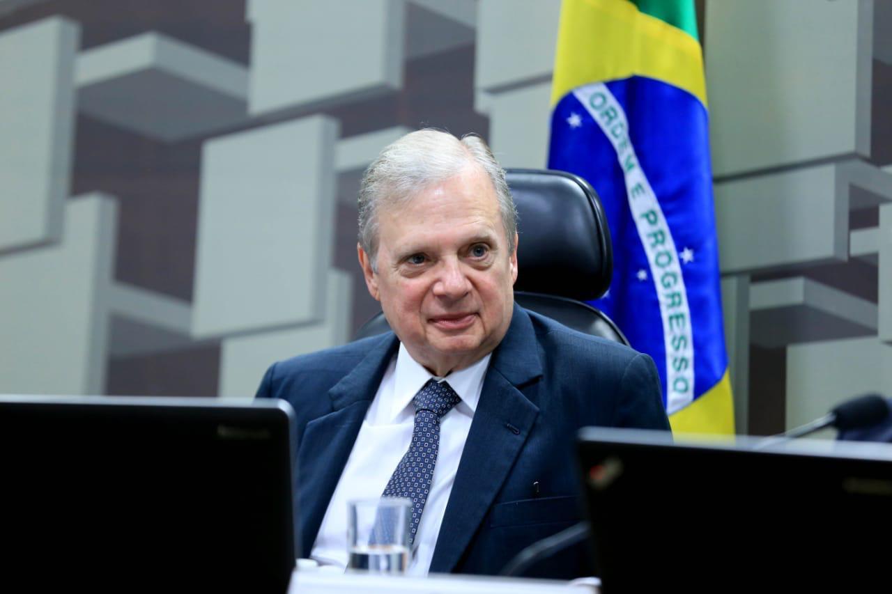 Bolsonaro é o maior responsável pelo caos na pandemia, diz Tasso Jereissati
