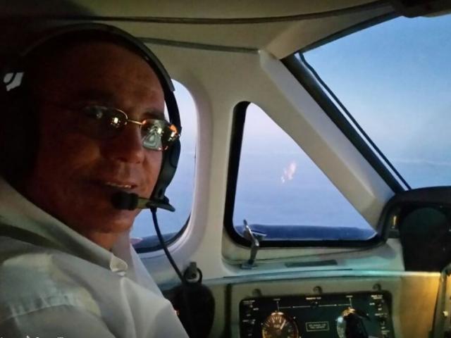 Piloto passa mal durante voo e morre após pouso de emergência