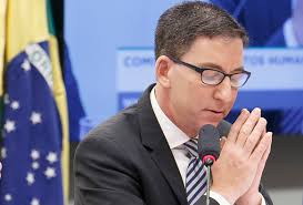 Ministro Gilmar Mendes proíbe investigações sobre o jornalista Glenn Greenwald