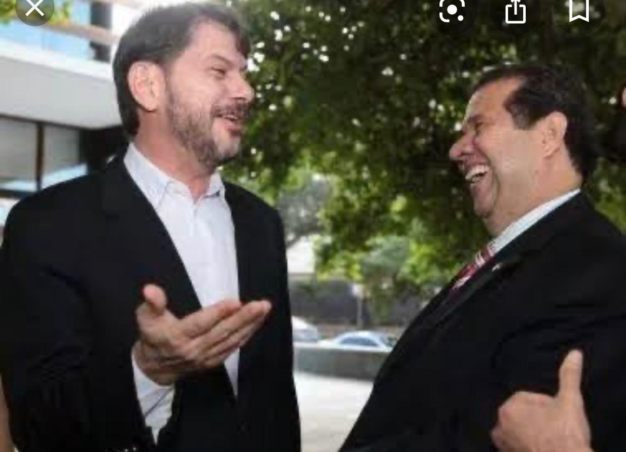 Cid Gomes mostra quem manda no PDT em Juazeiro e tira Bender da disputa