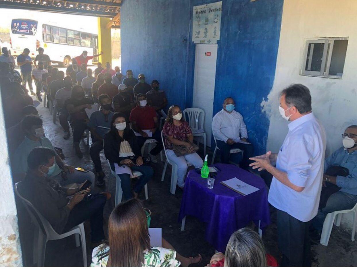 Acrísio Sena debate com apicultores dos sertões de Canindé sobre Plano Estadual da Apicultura na região