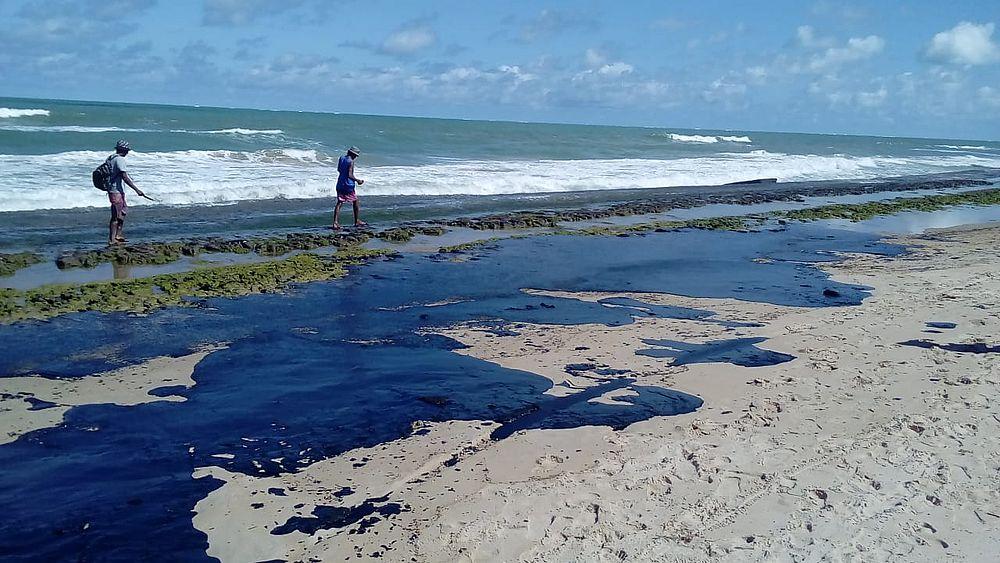 Óleo encontrado nas praias do Nordeste tem origem venezuelana, aponta investigação