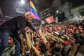 Depois de solto Lula planeja viajar pelo Brasil reorganizando oposição a Bolsonaro