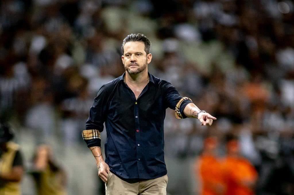 Argel não é mais treinador do Ceará