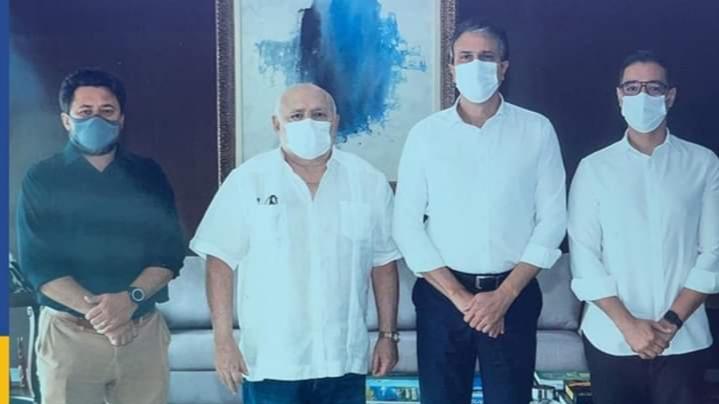 Pacatuba: prefeito Carlomano Marques e secretário de Infraestrutura se reúnem com Camilo Santana