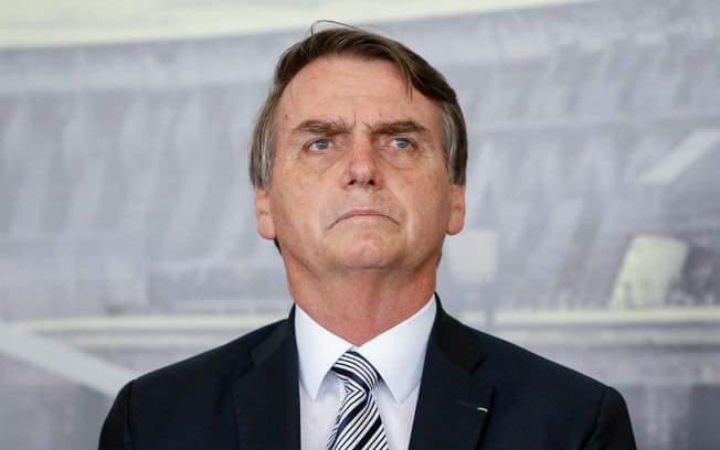Bolsonaro chama Lula de canalha