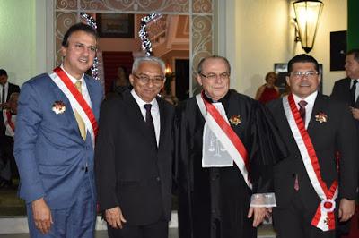 Jornalista Eliomar de Lima agraciado com a Medalha Ordem Alencarina do Mérito Judiciário