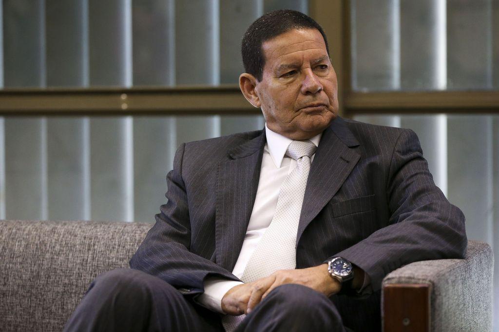 Brasil será representador por Mourão em posse de novo presidente argentino