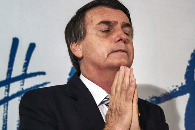 Bolsonaro quer subsidiar energia das igrejas,  mas Paulo Guedes é contra
