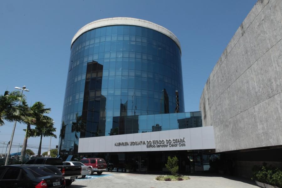 Presidente da Assembleia Legislativa lamenta briga entre deputados Leonardo Araújo e Osmar Baquit