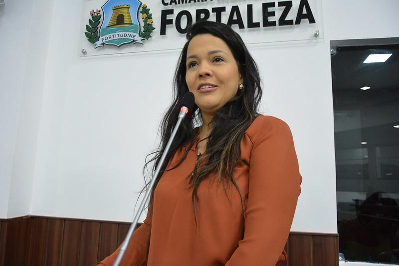 Vereadora de Fortaleza Priscila Costa propõe atendimento remoto na atenção em saúde mental durante pandemia