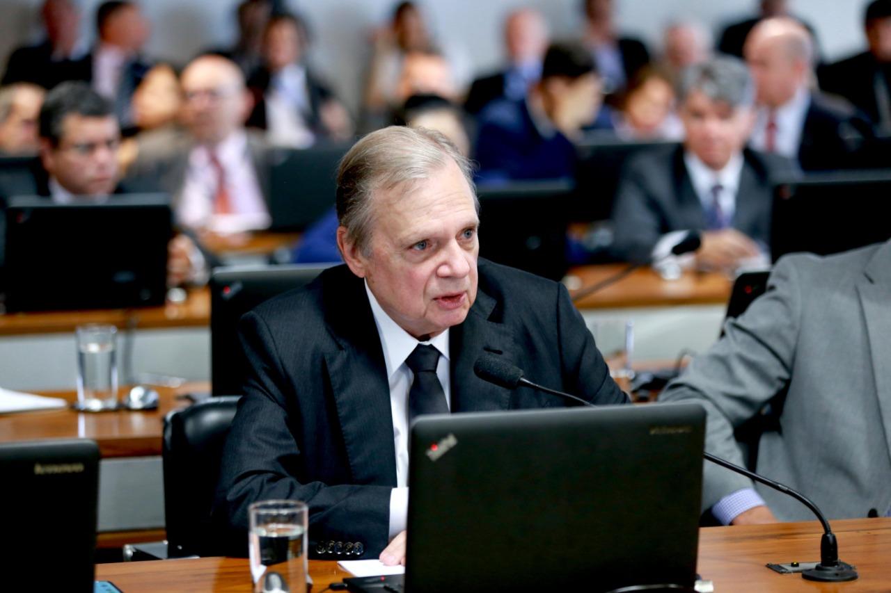 Tasso vota a favor e CCJ aprova, em 1º turno, prisão em segunda instância