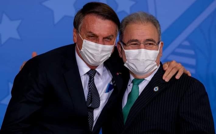Ministro da Saúde diz que estuda a dispensa do uso de máscaras