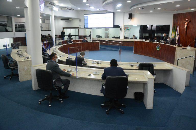 Câmara de Fortaleza aprova projeto que cria cadastro para lista de espera por sobras da vacina contra Covid