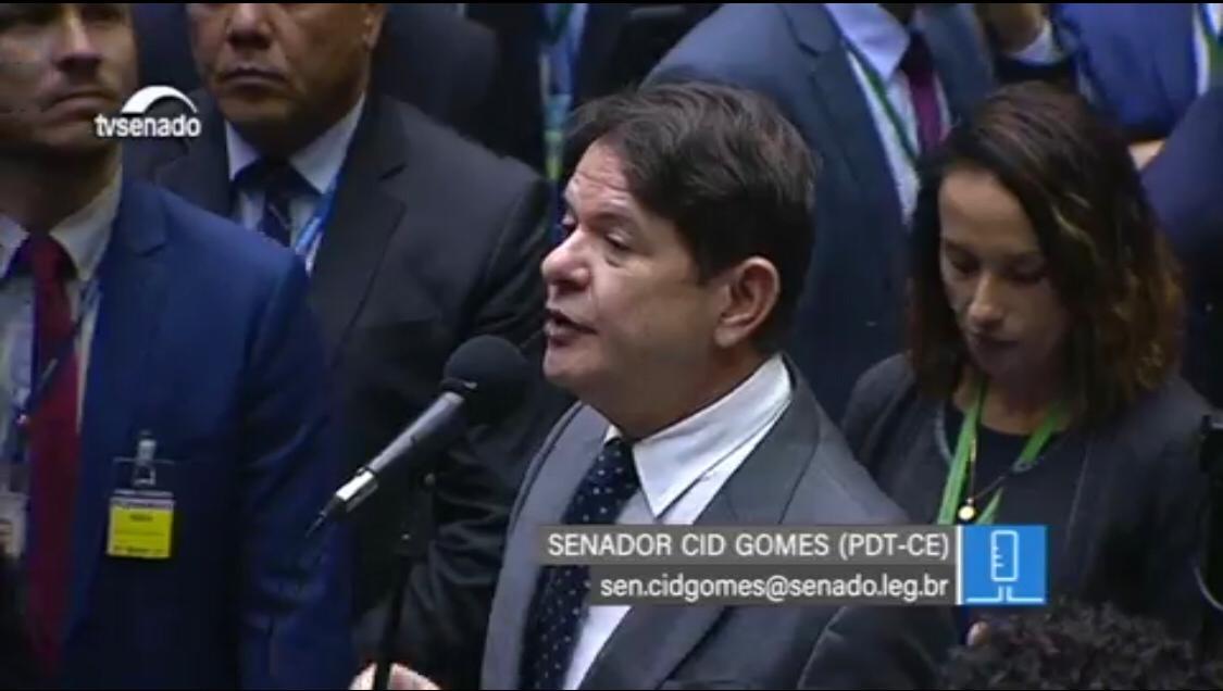 Cid Gomes diz que necessidade de crédito suplementar demonstra que Governo está quebrado
