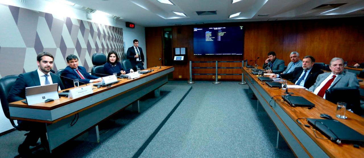 Tasso defende inclusão de estados e municípios na Reforma da Previdência