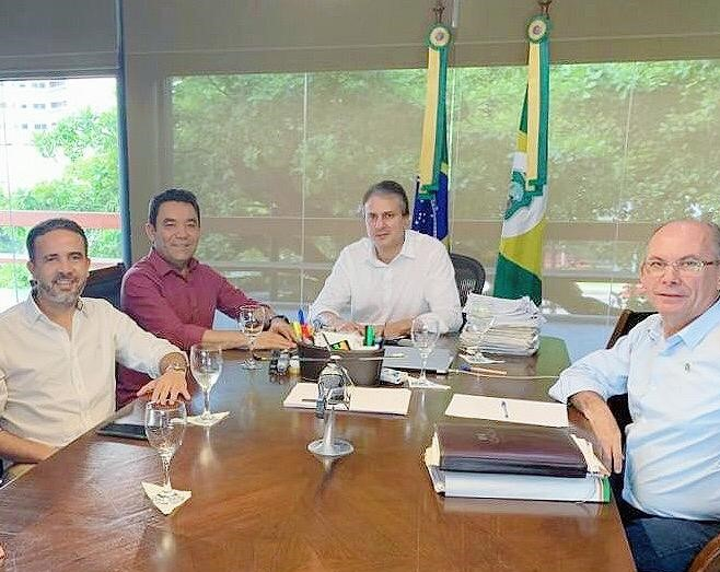 Genecias Noronha e Júnior Arão se reúnem com o governador Camilo Santana nesta sexta-feira, confira