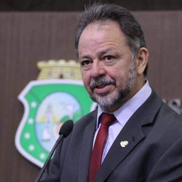Deputado Acrísio Sena propõe realização de testes auditivo e visual para estudantes da rede pública
