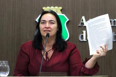 Deputada Drª. Silvana diz que falta gestão no IJF e Frotinha da Parangaba - veja os vídeos