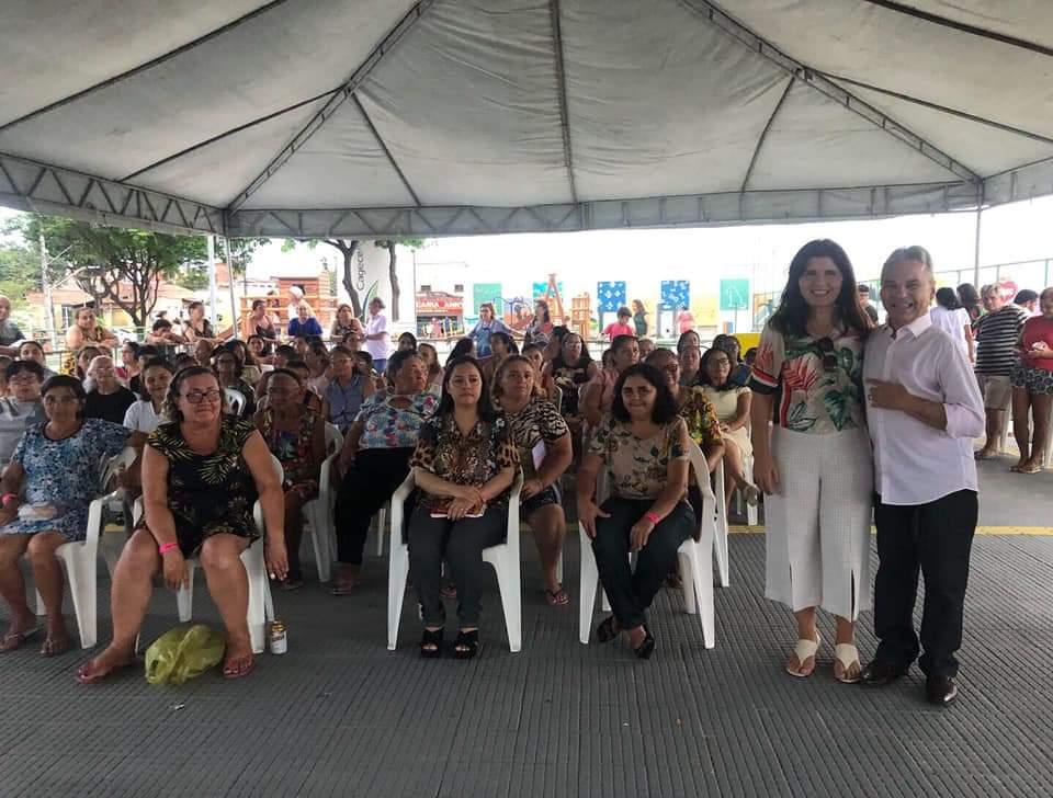 Vereador de Fortaleza, Dr. Eron Moreira realiza festa para mães dos bairros Jardim América e Montese