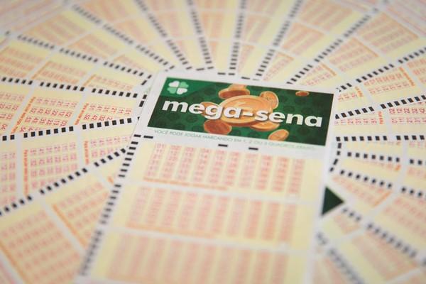 Mega-Sena paga R$ 40 milhões neste sábado
