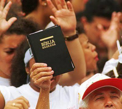 Evangélicos devem superar os números de católicos