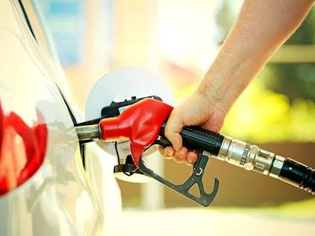 Gasolina e diesel baixam nesta terça-feira